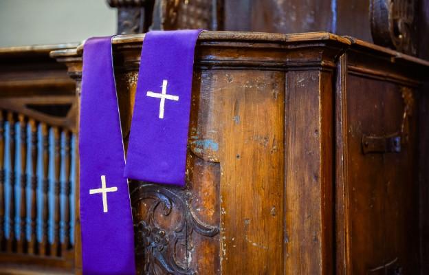 Informujemy, że SPOWIEDŹ w naszym Kościele odbywa się tylko przed Mszą św. lub po osobistym umówieniu się ze spowiednikiem Jezuitą. NIE MA SPOWIEDZI DEKANALNEJ w godzinach: 9:00-10:30 oraz 15:00-16:30!!!